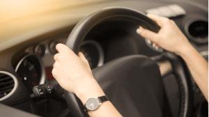 روش صحیح گرفتن فرمان خودرو
